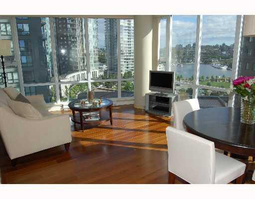 # 702 550 PACIFIC BV - Yaletown Apartment/Condo for sale, 2 Bedrooms (V653065) #1