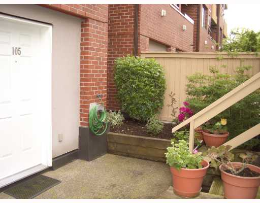 # 105 345 LONSDALE AV - Lower Lonsdale Townhouse for sale, 3 Bedrooms (V727645) #1